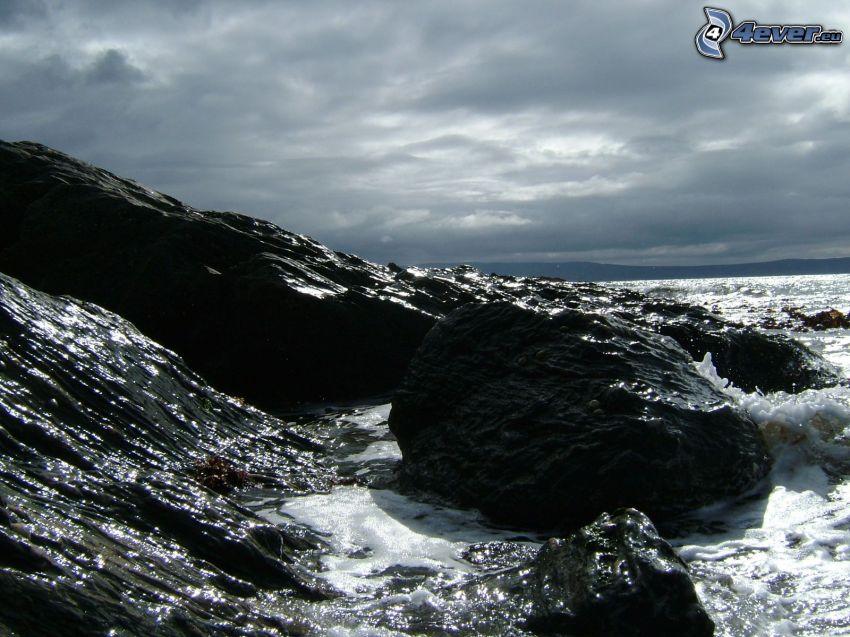 skalnaté pobrežie