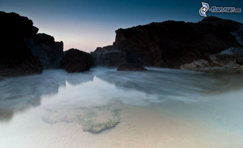 záliv, skaly v mori
