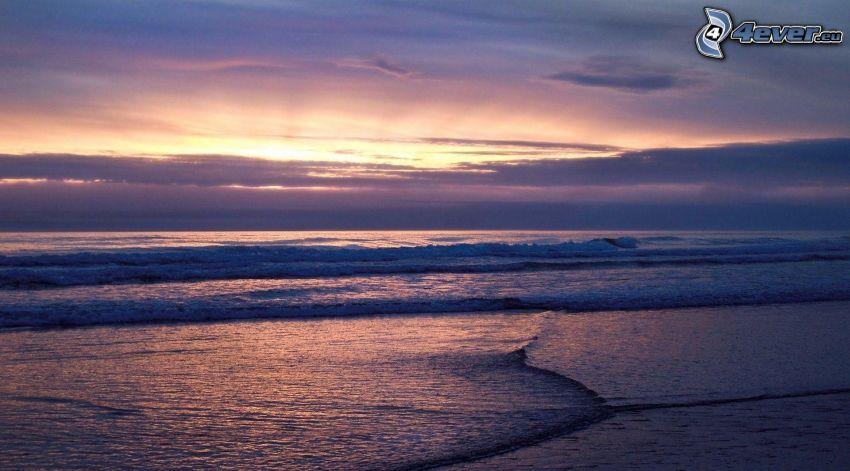 západ slnka pri mori
