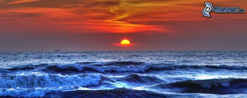 západ slnka za morom, šíre more