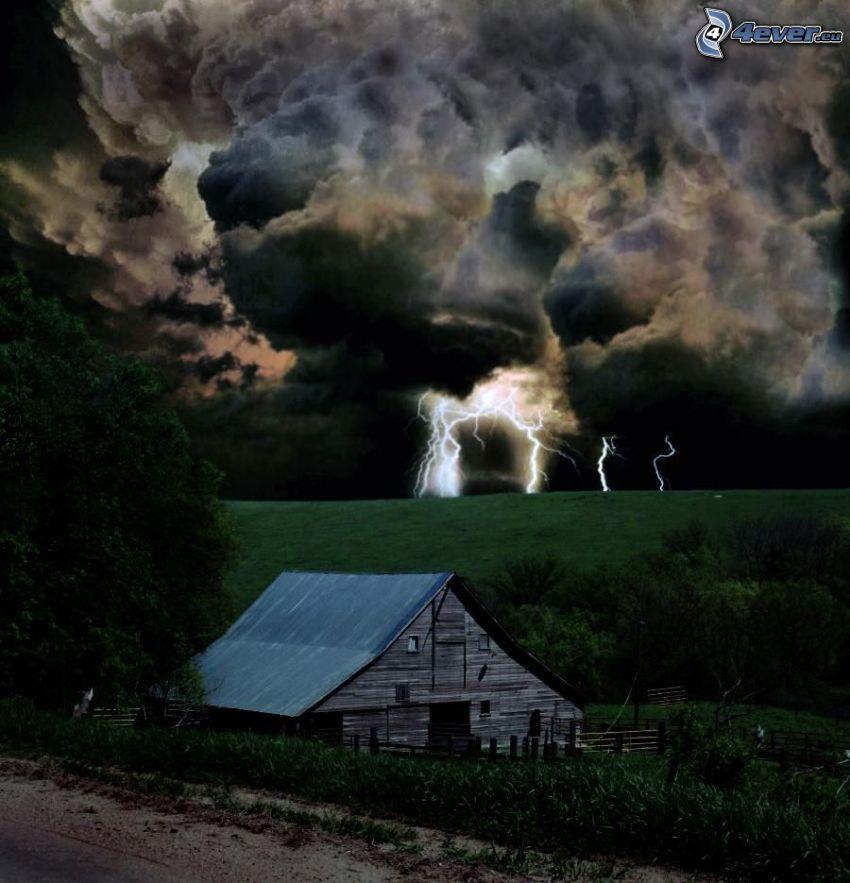 drevený dom, búrkové mraky, blesky