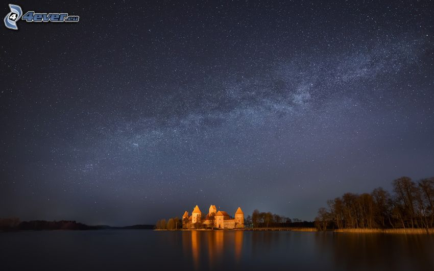 nočná obloha, zámok, jazero