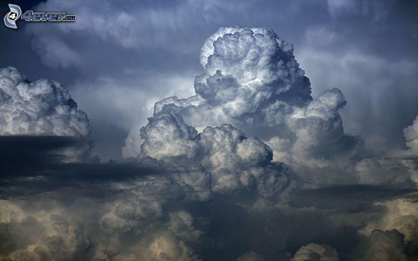 tmavé oblaky
