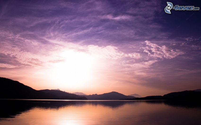 pohorie, jazero, slnko, fialová obloha