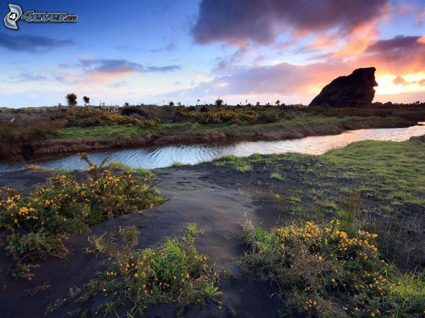 potok, západ slnka
