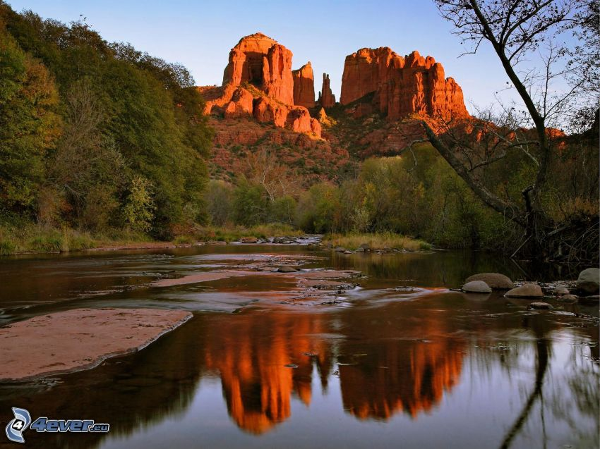 Sedona - Arizona, Monument Valley, skaly, rieka