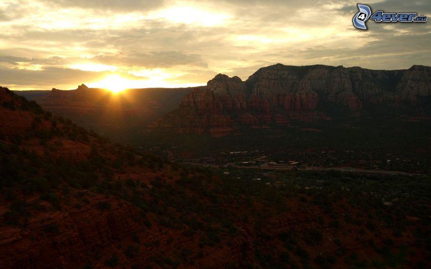 Sedona - Arizona, Monument Valley, západ slnka