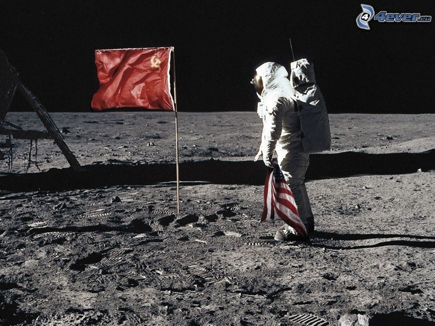 kozmonaut, vlajka, kosák a kladivo, americká vlajka, smútok