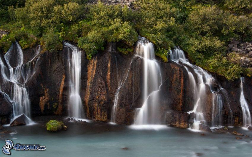 vodopády, skaly, stromy