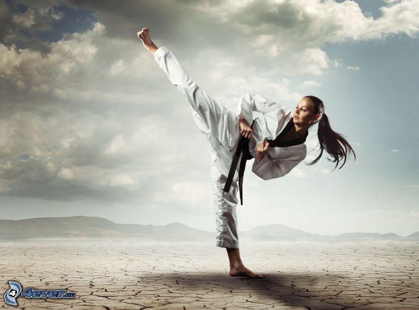 karate, praskliny, oblaky