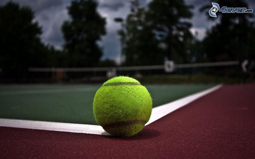 tenisová loptička, tenisové kurty, večer