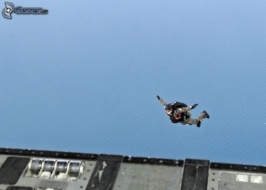 výskok z lietadla