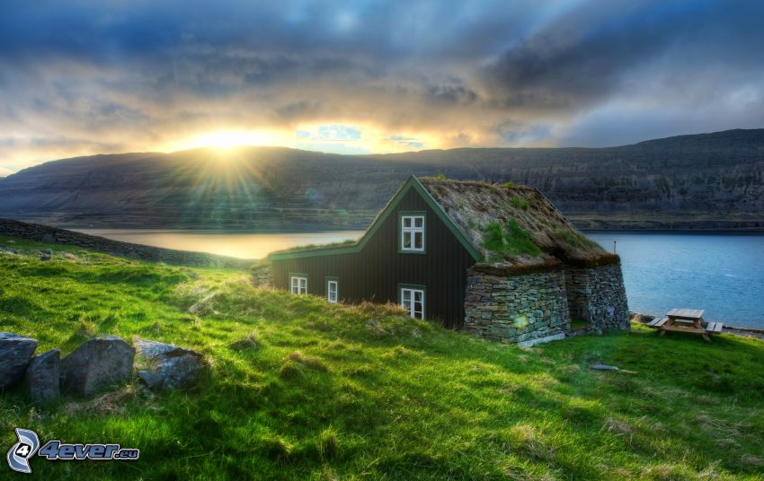 domček, rieka, západ slnka, HDR