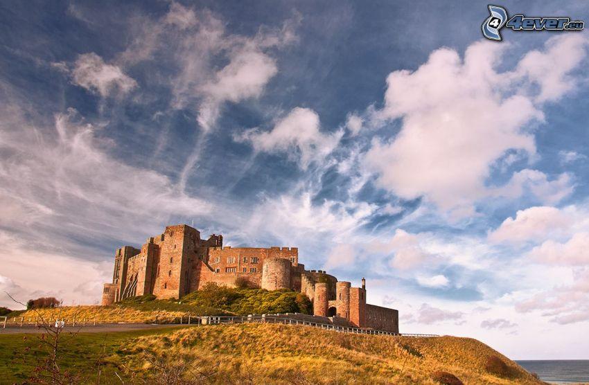 Bamburgh castle, oblaky