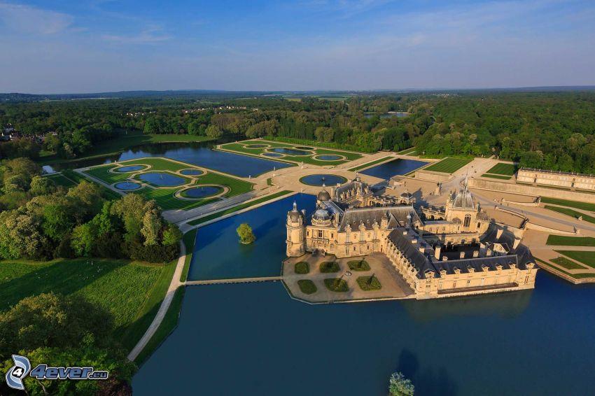 Château de Chantilly, jazerá, park, les