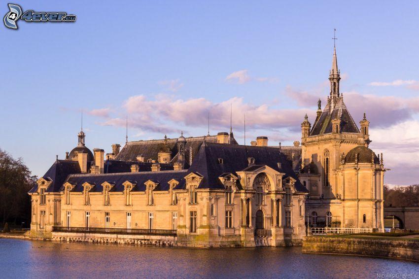 Château de Chantilly, jazero