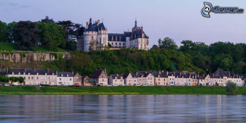 Château de Chaumont, pobrežie
