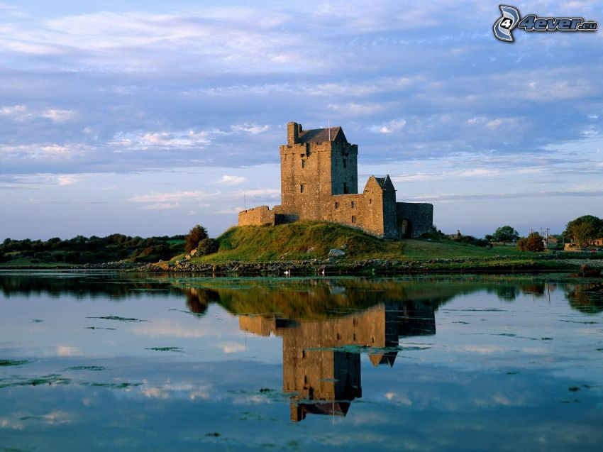 Dunguaire Castle, Írsko, hrad, jazero, odraz