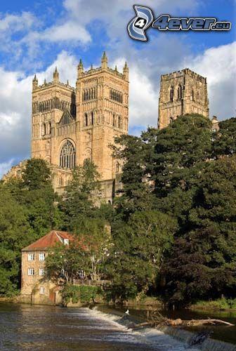 Durhamská katedrála, voda