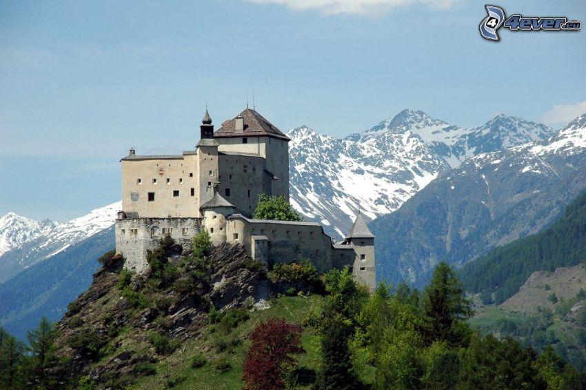 hrad Tarasp, skalnaté hory