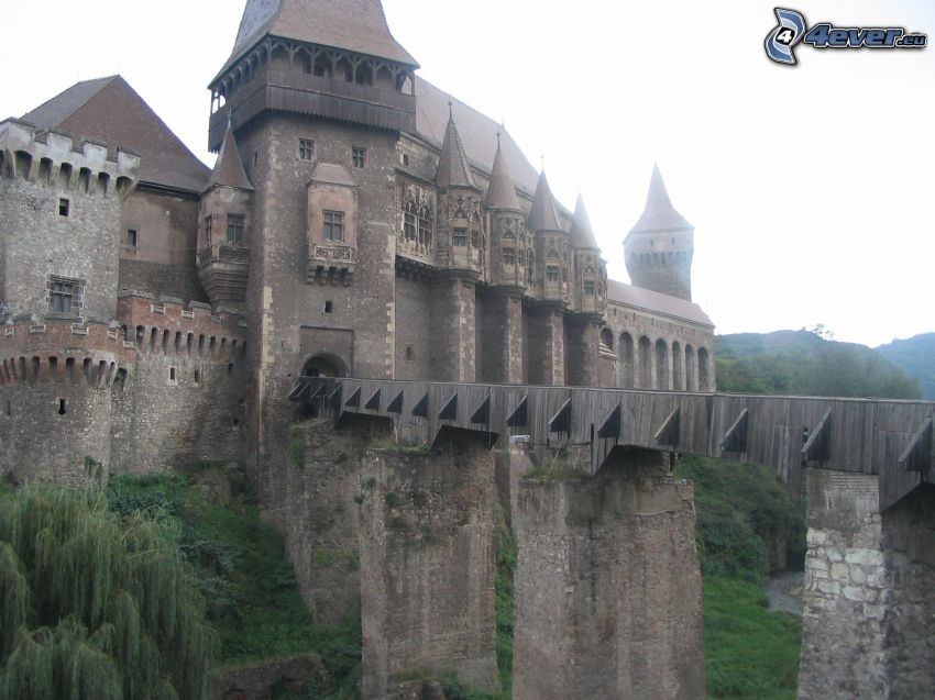 Hunyad, hrad, most