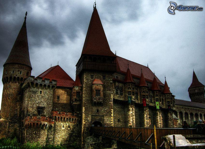 Hunyad, hrad, večer