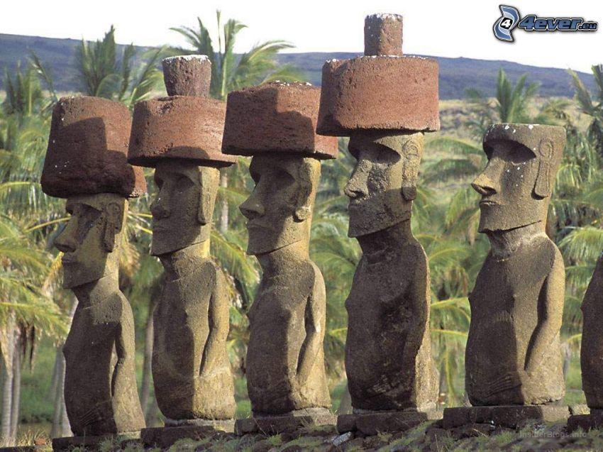 sochy Moai, palmy, Veľkonočný ostrov