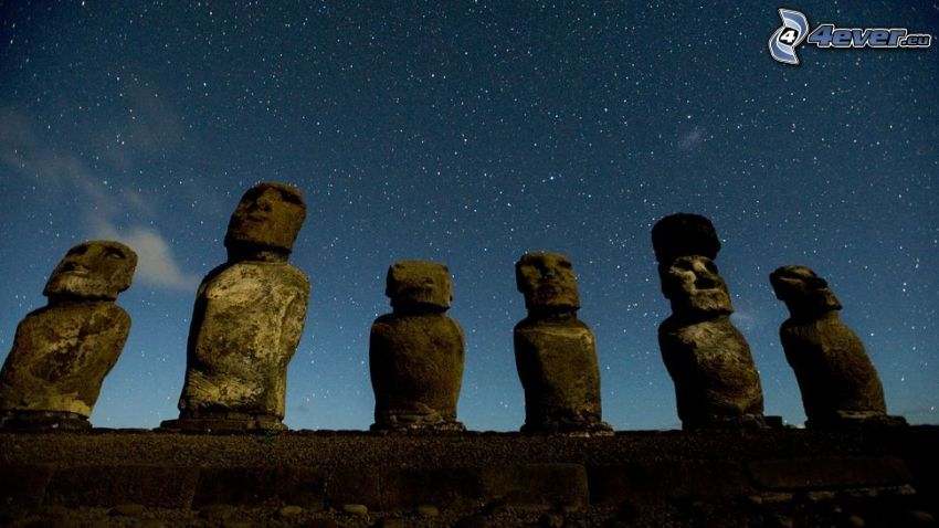 sochy Moai, Veľkonočný ostrov, hviezdna obloha
