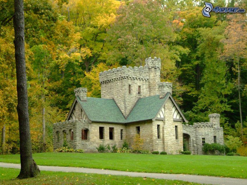 Squire's Castle, jesenný les