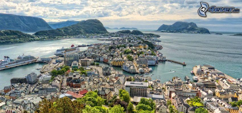 Ålesund, Nórsko, prímorské mestečko, HDR