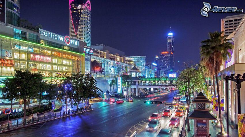 Bangkok, nočné mesto, ulica