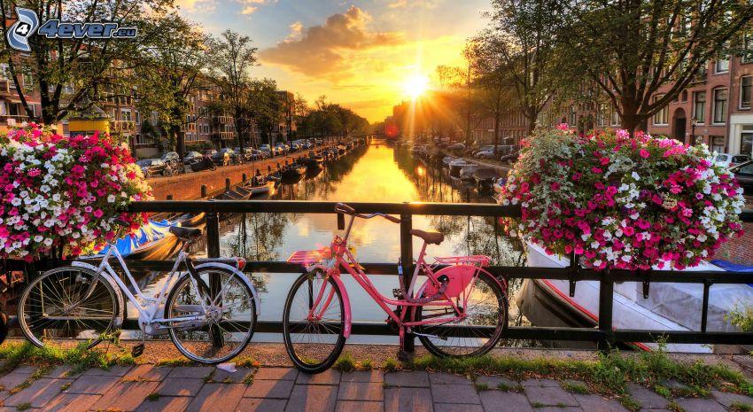 bicykle, kanál, zábradlie, západ slnka, Amsterdam