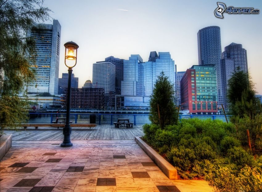 Boston, pouličná lampa, večer