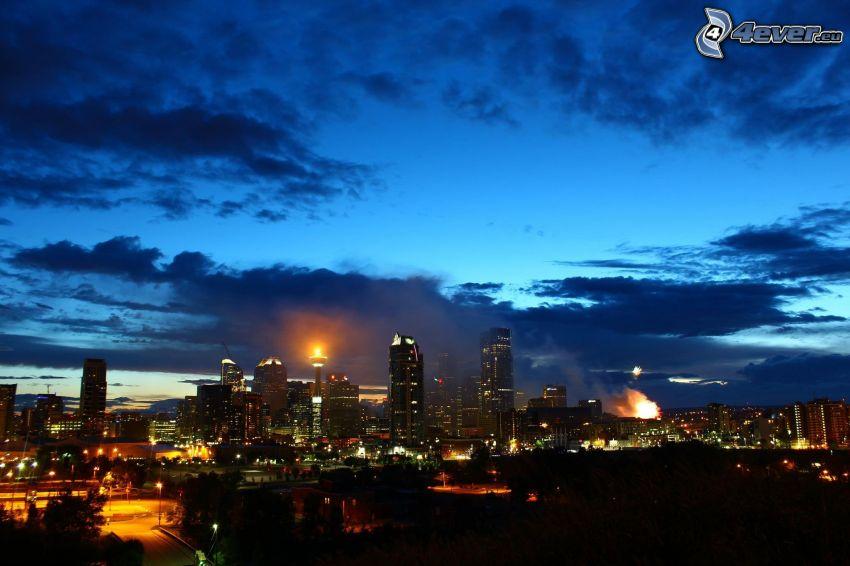 Calgary, mrakodrapy, nočné mesto, obloha