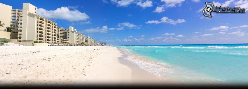 Cancún, prímorské mestečko, piesočná pláž, šíre more