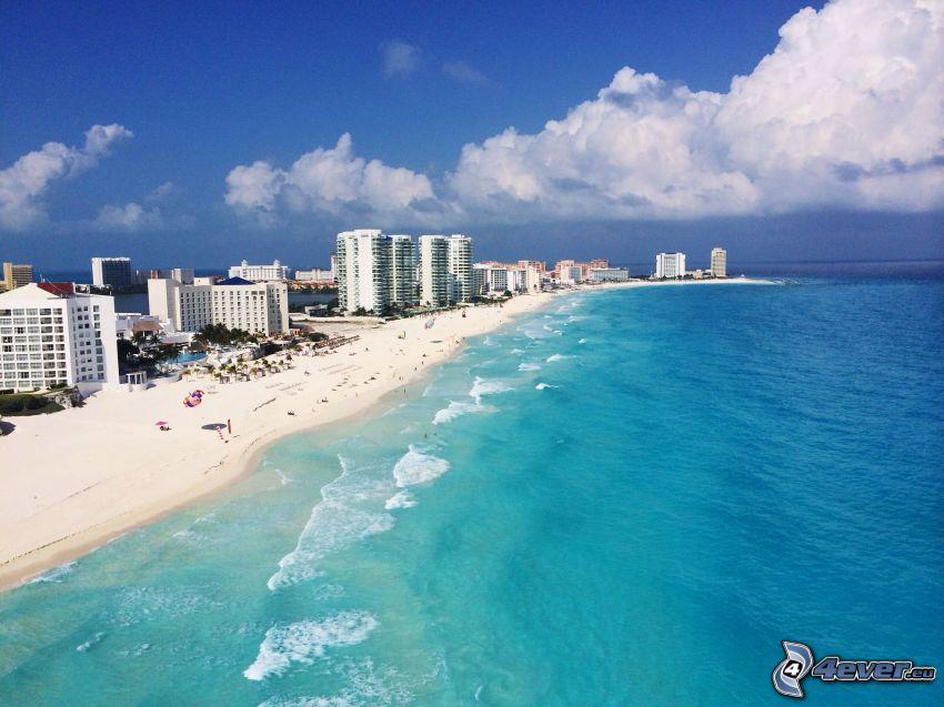 Cancún, prímorské mestečko, piesočná pláž