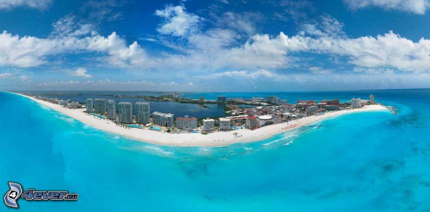 Cancún, prímorské mestečko, šíre more