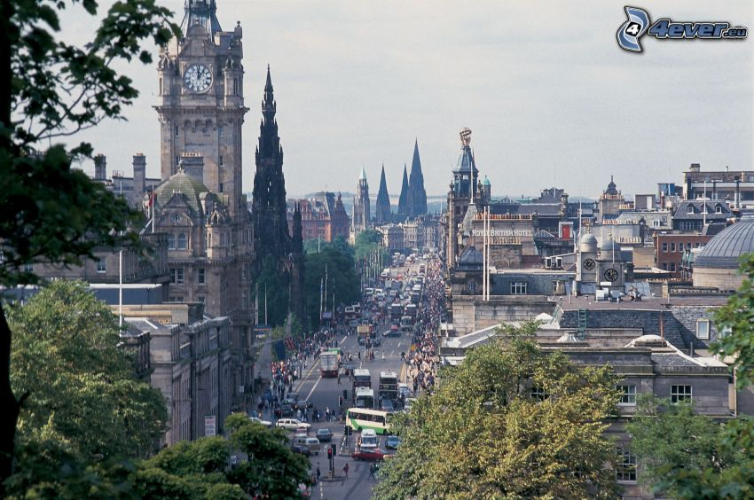 Edinburgh, kostolná veža, ulica