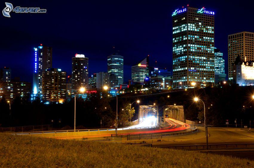 Edmonton, nočné mesto, nočná cesta