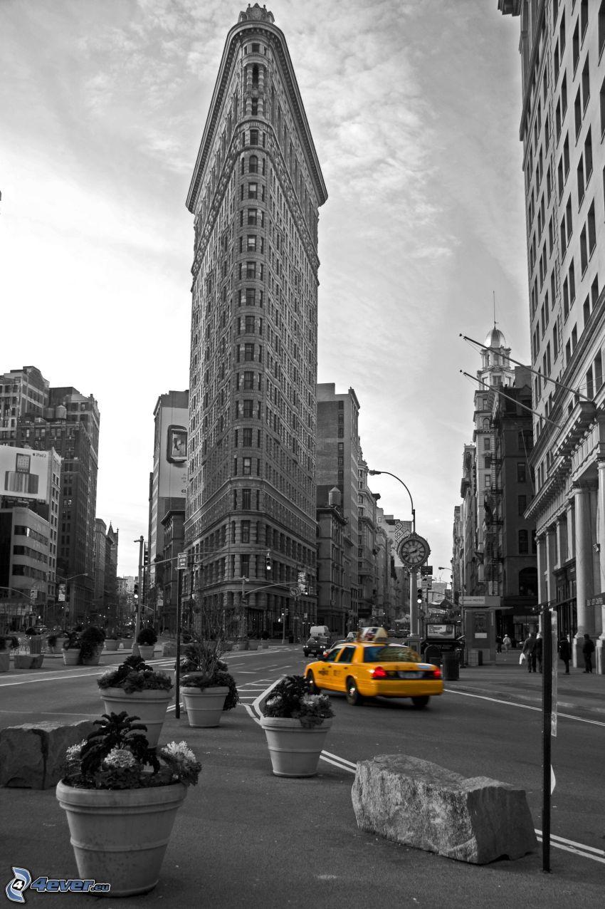 Flatiron, Manhattan, ulica, taxi, čiernobiela fotka