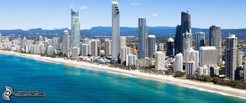 Gold Coast, mrakodrapy, piesočná pláž, more