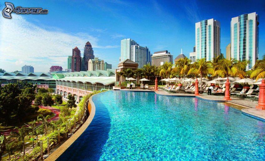 Malajzia, bazén, domy, palmy