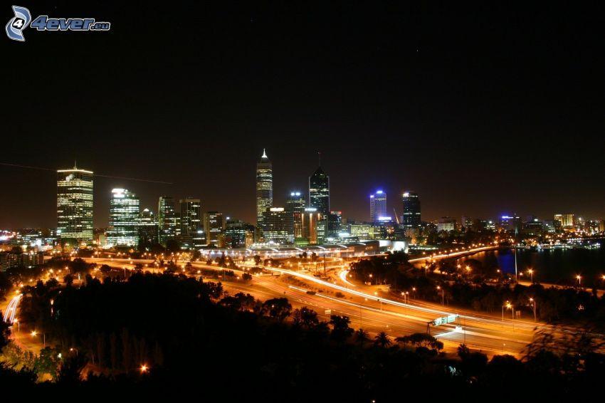 Perth, mrakodrapy, nočné mesto