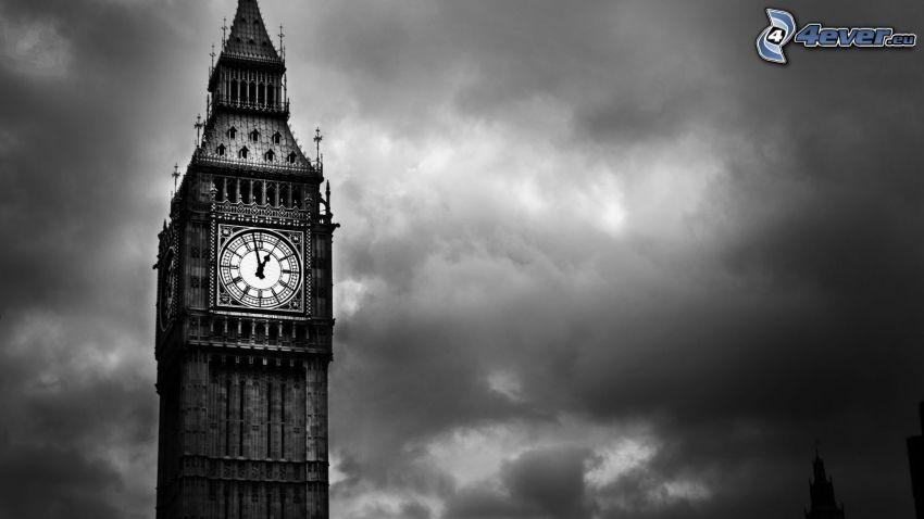 Big Ben, oblaky, čiernobiela fotka