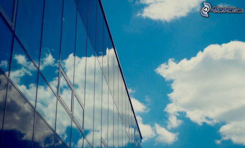 budova, okná, oblaky