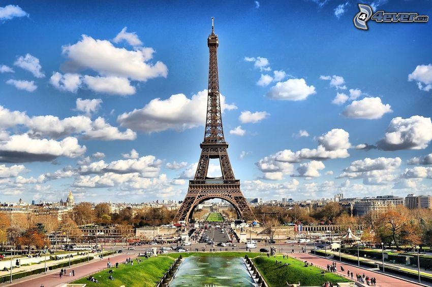 Eiffelova veža, Paríž, oblaky