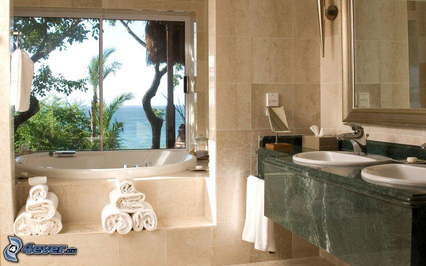 kúpeľňa, vaňa, umývadlá, výhľad na more