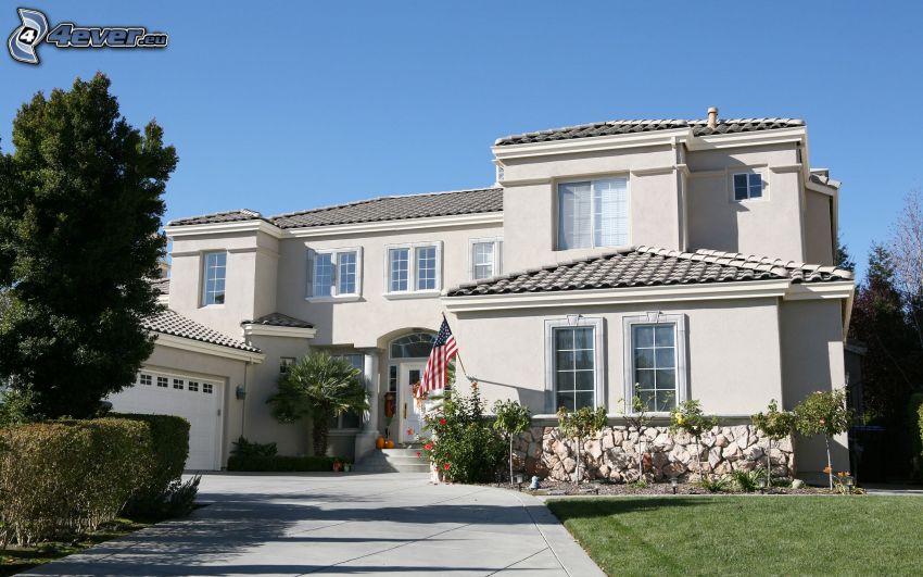 luxusný dom, americká vlajka
