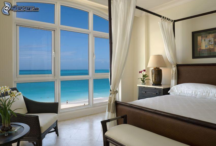 spálňa, výhľad na more