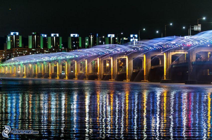 Banpo Bridge, nočné mesto, osvetlený most, fontána